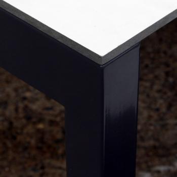 Tischgestell Pulverbeschichtet grau mit weisser Eternitplatte