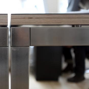 Disanzhalter für Tischplatten