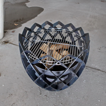 Feuerkugel mit Grillrost