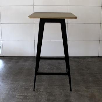 Stehtisch mit Linoleum Tischplatte