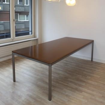 Tischgestell Relais mit MDF