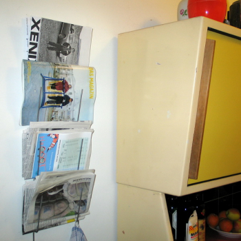 Wandhalter für Zeitungen