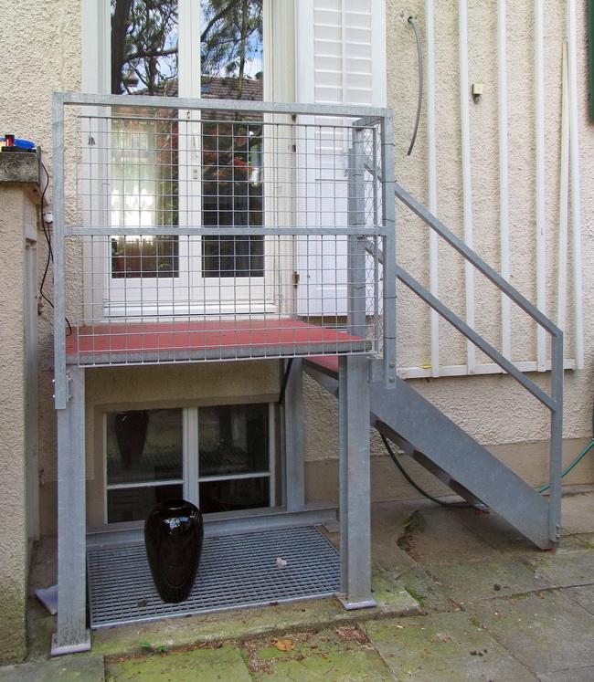 Windfang Hauseingang Glas metall werk zürich ag windfang und gartentreppe