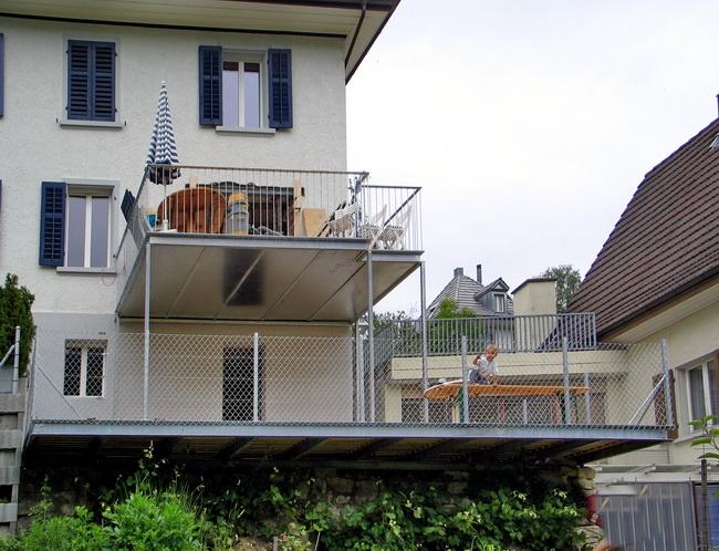 Metall Werk Zürich AG - Balkon und Terrasse mit Holzboden