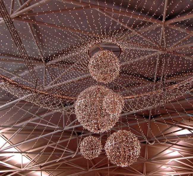 Zürich Weihnachtsbeleuchtung.Metall Werk Zürich Ag Metallkonstruktion Für Weihnachtsbeleuchtung