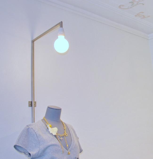 metall werk z rich ag kleiderstangen und leuchten f r boutique vestibule. Black Bedroom Furniture Sets. Home Design Ideas