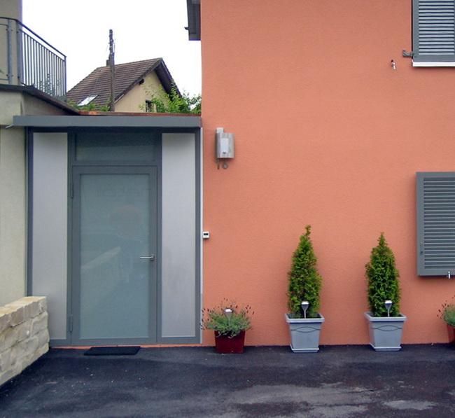 Metall Werk Zurich Ag Windfang Mit Vordach