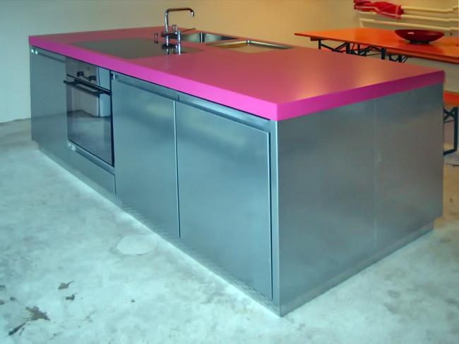 metall werk z rich ag k chenm bel in verzinktem stahl. Black Bedroom Furniture Sets. Home Design Ideas