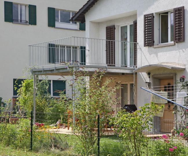 metall werk z rich ag balkonanbau und terrasse f r einfamilienhaus. Black Bedroom Furniture Sets. Home Design Ideas