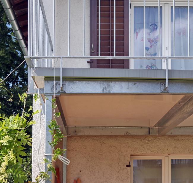 metall werk z rich ag balkonanbau und terrasse f r. Black Bedroom Furniture Sets. Home Design Ideas