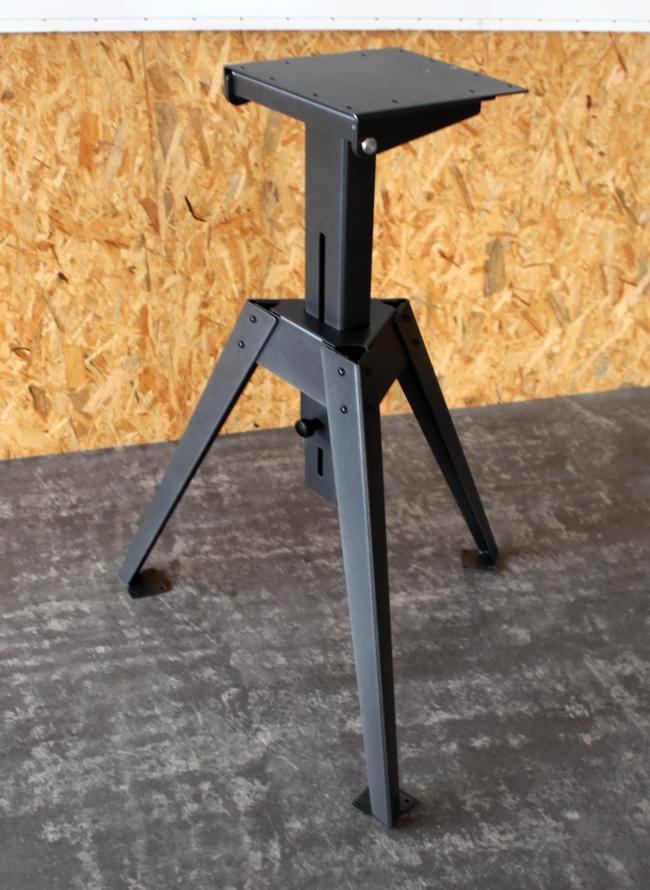metall werk z rich ag pr sentation table der. Black Bedroom Furniture Sets. Home Design Ideas