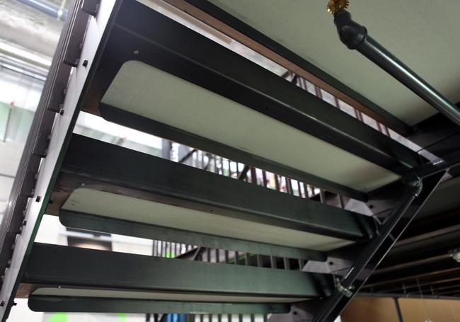 metall werk z rich ag galerie und podest mit treppe und. Black Bedroom Furniture Sets. Home Design Ideas