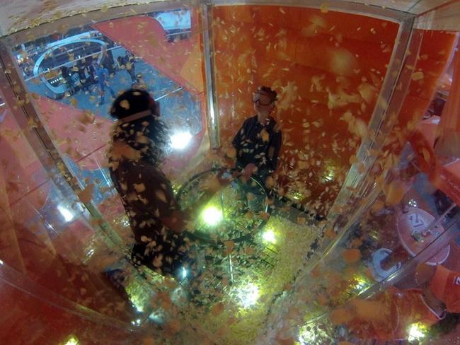 Wirbelwindbox Chips Luft Festival Spiel Action und Licht