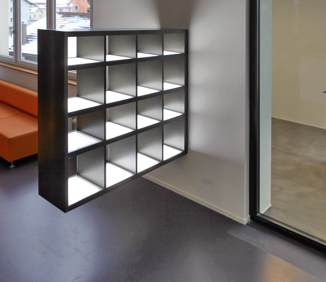 metall werk z rich ag regal f r ausstellung mit led. Black Bedroom Furniture Sets. Home Design Ideas